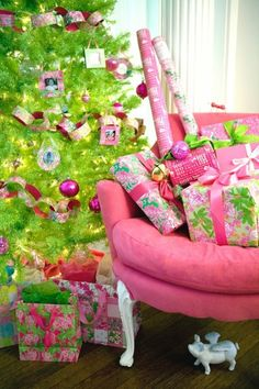 Lilly Pulitzer Christmas Gift Wrap and decor - sweet! I'm tempted to do a pink and green Christmas! Preppy Christmas, Merry Christmas, Green Christmas, Little Christmas, Winter Christmas, All Things Christmas, Christmas Morning, Tropical Christmas, Whimsical Christmas