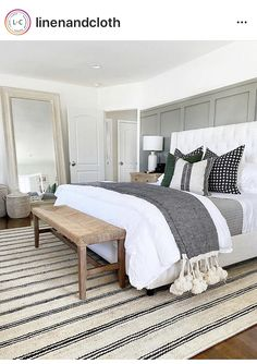 Scandi Living, Wood Dining Bench, Home Decor Bedroom, Cozy Master Bedroom Ideas, Coastal Master Bedroom, Bedding Master Bedroom, Green Master Bedroom, Master Bedroom Design, Apartment Master Bedroom