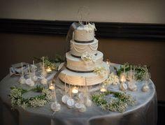 Beautiful tiered wedding cake (Jeff Kolodny Photography)