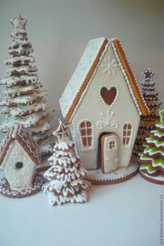 Gingerbread House Ideas & Inspiration It may not quite be Christmas time, but it is not at all too early for inspiration for holiday baking. White Gingerbread House, Gingerbread House Designs, Gingerbread Village, Gingerbread Cookies, Christmas Sweets, Noel Christmas, Christmas Goodies, Christmas Baking, Christmas Crafts