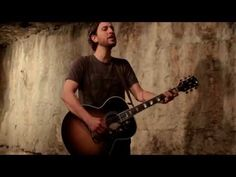 Great Lake Swimmers - Don't Leave Me Hanging (Acoustic) - YouTube