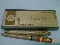 Bút gỗ khắc tên Herapen còn được đưa vào danh sách quà tặng ưu việt của khách…