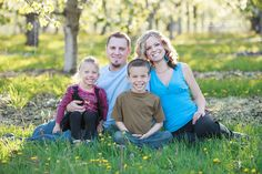 Kelowna Family Photographer | Spring Orchard Blossoms