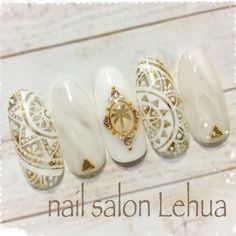 summer spring gold white Aztec henna l Crazy Nail Art, Crazy Nails, Cool Nail Art, Japanese Nail Design, Japanese Nail Art, Luv Nails, Pretty Nails, Mandala Nails, Kawaii Nails