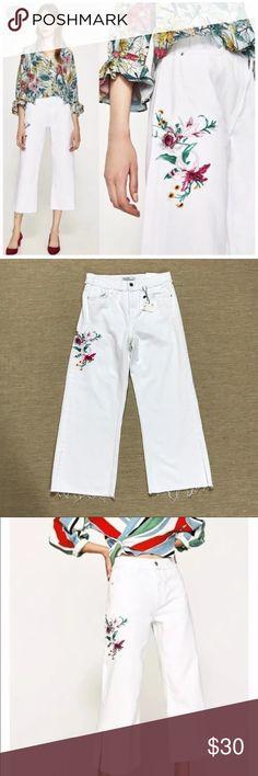 3144777e Zara Embroidered Jeans 2 White Wide Leg Split Hem Gorgeous on-trend ZARA  FLORAL EMBROIDERED WHITE JEANS, WIDE LEG, Split Hem. Size 2. New with Tags.