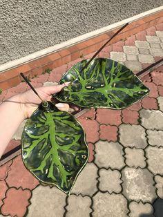 Ua, Plant Leaves, Ceramics, Plants, Ceramica, Pottery, Ceramic Art, Flora, Plant