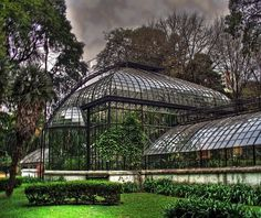 Argentinian Art Deco greenhouse, prize-winner at Paris now at Buenos Aires Botanical Garden. Most Beautiful Cities, Beautiful Places To Visit, Scenic Photography, Landscape Photography, Night Photography, Beautiful Architecture, Beautiful Landscapes, Art Nouveau Arquitectura, Garden Deco