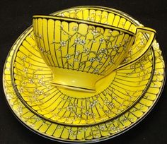 Crown Staffordshire White Enamel Blossom, black, yellow tea cup, saucer and plate Yellow Tea Cups, Café Chocolate, Teapots And Cups, China Tea Cups, My Cup Of Tea, Tea Service, Mellow Yellow, Bright Yellow, Tea Cup Saucer