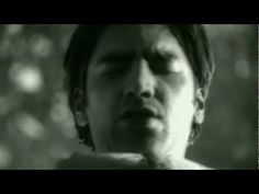 Music video by Alejandro Fernandez performing Nube Viajera. YouTube view counts pre-VEVO: 1,168,978 (C) 2002 Sony Music Entertainment México S.A. De C.V.