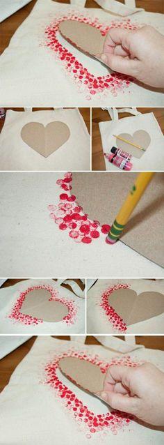 carte de fête des mères, carte handcraft contour de coeur rouge facile à réaliser