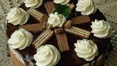 Sernik straciatella z musem truskawkowym – KuchniaMniam Cheesecakes, Food, Asia, Essen, Cheesecake, Meals, Yemek, Cherry Cheesecake Shooters, Eten