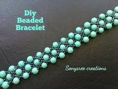 Beaded bracelet with pearls and jump rings. Beading tutorial-easy to make . Beaded Bracelets Tutorial, Handmade Bracelets, Beaded Jewelry Patterns, Bracelet Patterns, Bracelet Designs, Bracelet Crafts, Seed Bead Jewelry, Jewelry Rings, Diy Jewelry