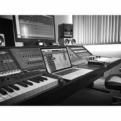 See this Instagram photo by @themusicproducerblog • 2,892 likes