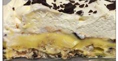 Denne nydelige kaken er laget av en marengsbunn m/kokos, toppet med vaniljekrem, svisker og kremfløte. Vi har valgt å bytte ut vaniljekrem... Norwegian Food, Pudding Desserts, Cheesesteak, Cheesecakes, Cake Recipes, Food And Drink, Goodies, Dinner, Cooking