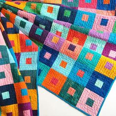 A kit + precuts always speeds things along! Loaded it on the longarm, and quilted a quick & easy pantograph. Amische Quilts, Batik Quilts, Patch Quilt, Quilt Blocks, Plaid Patchwork, Handmade Quilts For Sale, Quilt Modernen, Colorful Quilts, Contemporary Quilts