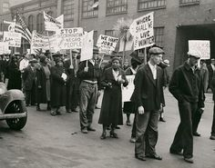 1931. U.S. Civil Rights protestors demonstrating for fair employment during the Great Depression. Photograph by Ralph A. Ross. Missouri History Museum.