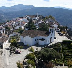 Marvão, a mountain village - Portugal Places In Portugal, Visit Portugal, Spain And Portugal, Portugal Country, Marvao Portugal, Old Houses, Manor Houses, Iberian Peninsula, Mountain Village
