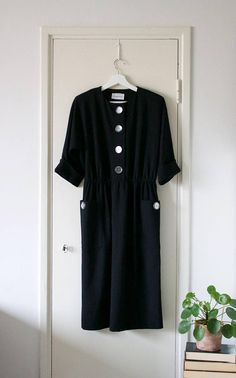 Vintage Black Leslie Fay Day Dress // Dolman 3/4 Sleeves //