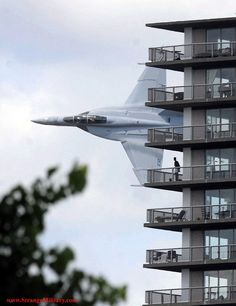 YOU'RE STANDING ON YOUR CONDO BALCONY AND SUDDENLY!!!!!!!!!! LOW F-18 SUPER HORNET