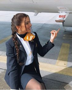 Flight Attendant Hot, Trolley Dolly, Airline Uniforms, Western Girl, Girls Uniforms, Cabin Crew, These Girls, Girl Humor, Sexy Outfits