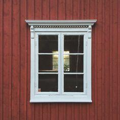 #fönster #krönlist #spröjs #snickarglädje #sekelskifte #fönsterkröning