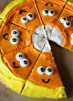 Munchkin Munchies: Candy Corn {Pumpkin Cookie} Pizza