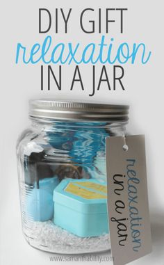 Because I had so much fun making my DIY Finals Survival Kit, I couldn't help myself from think of more easy gift ideas! I love gifts in a jar (isn't everything better in a jar, really?)…