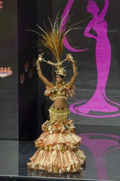 Miss Universe Pageant country costumes - Dominican Republic