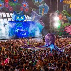 Here are the artists we'll be making sure to see this year at EDC! Edc 2016, Insomniac Events, Edc Las Vegas, Religious Experience, Festival Photography, Electric Daisy Carnival, Edm Festival, Electronic Music, Music Festivals