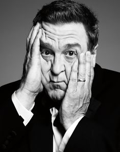 John Goodman would have been my pick to play Charlie in Twilight.