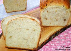 pan de molde, más sencillo, si cabe, que hacer una barra de pan, Bread Machine Recipes, Bread Recipes, Pan Cookies, Deli Food, Pan Bread, Sin Gluten, My Recipes, Bakery, Good Food