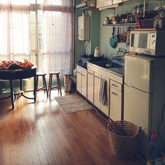 Retro Home Decor Retro Living Rooms, Living Room Interior, Kitchen Interior, Japanese Home Decor, Japanese Interior, Interior Architecture, Interior Design, Cottage Kitchens, Cozy Room