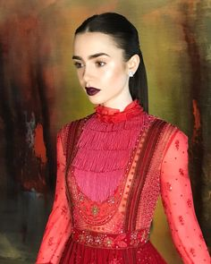 """46.7 mil curtidas, 250 comentários - Lily Collins (@lilyjcollins) no Instagram: """"Going red for Red tonight to premiere #Okja in the Big Apple..."""""""