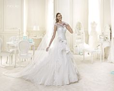 CHIC NICOLLE-37 Lavorazioni #artigianali e #tagli perfetti su abiti ed accessori, per #matrimoni di grande classe. www.mariages.it
