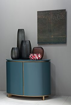 MODERN ENTRYWAY DECOR    modern furntiture and accessories to decor your entryway     bocadolobo.com/ #modernentryway #entrywayideas