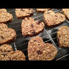 Happy heart cookies: no sugar, no flour, no dairy.