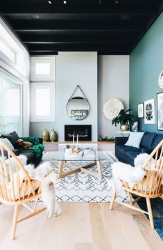 46 Extraordinary Black Living Room Designs That Never Go Out Of Fashion