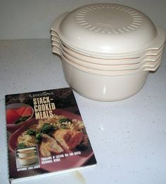 This was originially my mom's. It's a Tupperware Stack Microwave Cooker circa late early First you pick your recipe by flip. Tupperware Recipes, Plastic Ware, Steamer Recipes, Vintage Tupperware, Vintage Cookbooks, Your Recipe, Pampered Chef, Vintage Recipes, Kitchen Gadgets