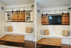 bien protéger l'écran télévisé à l'aide d'une petite porte de grange coulissante au-dessus du banc en bois blanc
