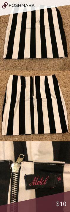 Striped skirt Black and white striped skirt. Stretchy fit Motel Rocks Skirts