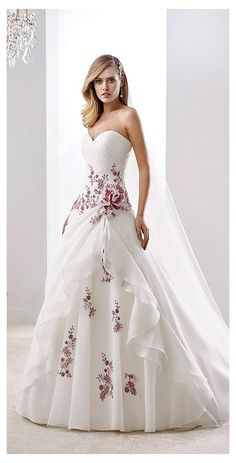 Red Wedding Gowns, Wedding Dress Trends, Colored Wedding Dresses, Elegant Wedding Dress, Wedding Dress Styles, Bridal Gowns, Dress Wedding, Wedding Colors, Wedding Flowers