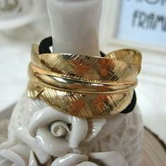 Hait Tie Gold - One Size Cheap Body Jewelry, Pandora Bracelet Charms, Punch Bowls, Napkin Rings, Charmed, Tie, Gold, Cravat Tie, Ties