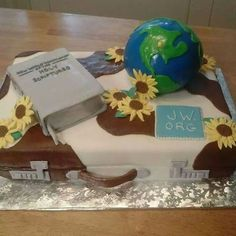 """tdg-archivio: """"JW cake. Torta che hanno preparato i fratelli del Texas per i delegati al congresso internazionale… Che bella!! """""""