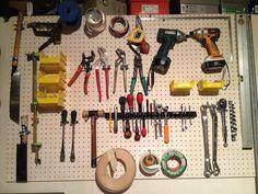 Guerrilla Radio 2: Pegboard D.I.Y. / 有孔ボードで工具棚作成