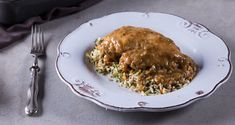 Coconut lime chicken by Greek chef Akis Petretzikis. A delicious, mouth watering dish with soft, juicy chicken fillets, lime juice, lime zest and coconut milk! Lime Chicken Recipes, Coconut Lime Chicken, Coconut Milk, Greek Recipes, Tasty Dishes, Risotto, Pork, Beef, Ethnic Recipes