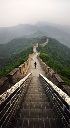 The #Great_Wall_of_China http://en.directrooms.com/hotels/country/1-12/