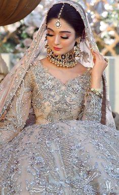 Asian Wedding Dress Pakistani, Asian Bridal Dresses, Simple Pakistani Dresses, Pakistani Wedding Dresses, Pakistani Dress Design, Bridal Outfits, Pakistani Outfits, Dress Wedding, Bridal Makeover