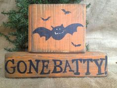 Primitive Bats Gone Batty Fall Halloween Stacking Shelf Sitter Wood Block Set small wood crafts decor Fall Wood Crafts, Halloween Wood Crafts, 2x4 Crafts, Wood Block Crafts, Halloween Signs, Halloween Projects, Wooden Crafts, Holidays Halloween, Wooden Diy