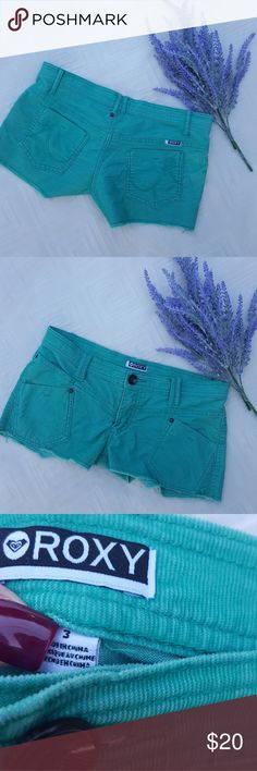 Turquoise ROXY shorts SIZE 3 Women's/junior's ROXY shorts in a beautiful turquoise color.   75% cotton/23% polyester/2% spandex.  Smoke free, pet free.  Make an offer♡ Roxy Shorts