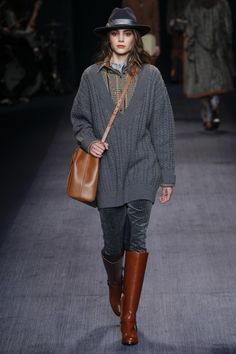 Trussardi Fall 2016 Ready-to-Wear Collection - Vogue Fall Fashion 2016, Runway Fashion, Winter Fashion, Fashion Show, Fashion Design, Fashion Trends, Milan Fashion, Prep Style, My Style